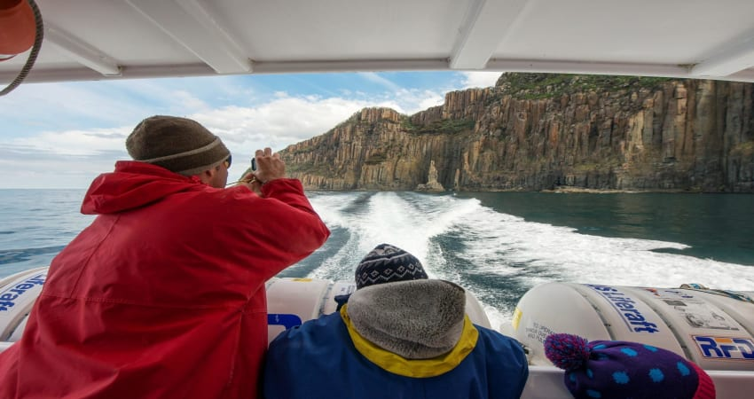 Bruny Island Cruise with Pick up from Kettering