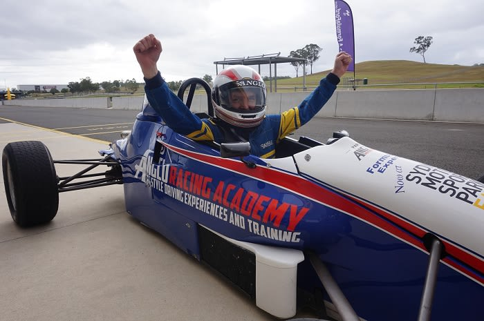 F1-Style Race Team Experience, 5 Laps - Sydney Motorsport Park, Eastern Creek
