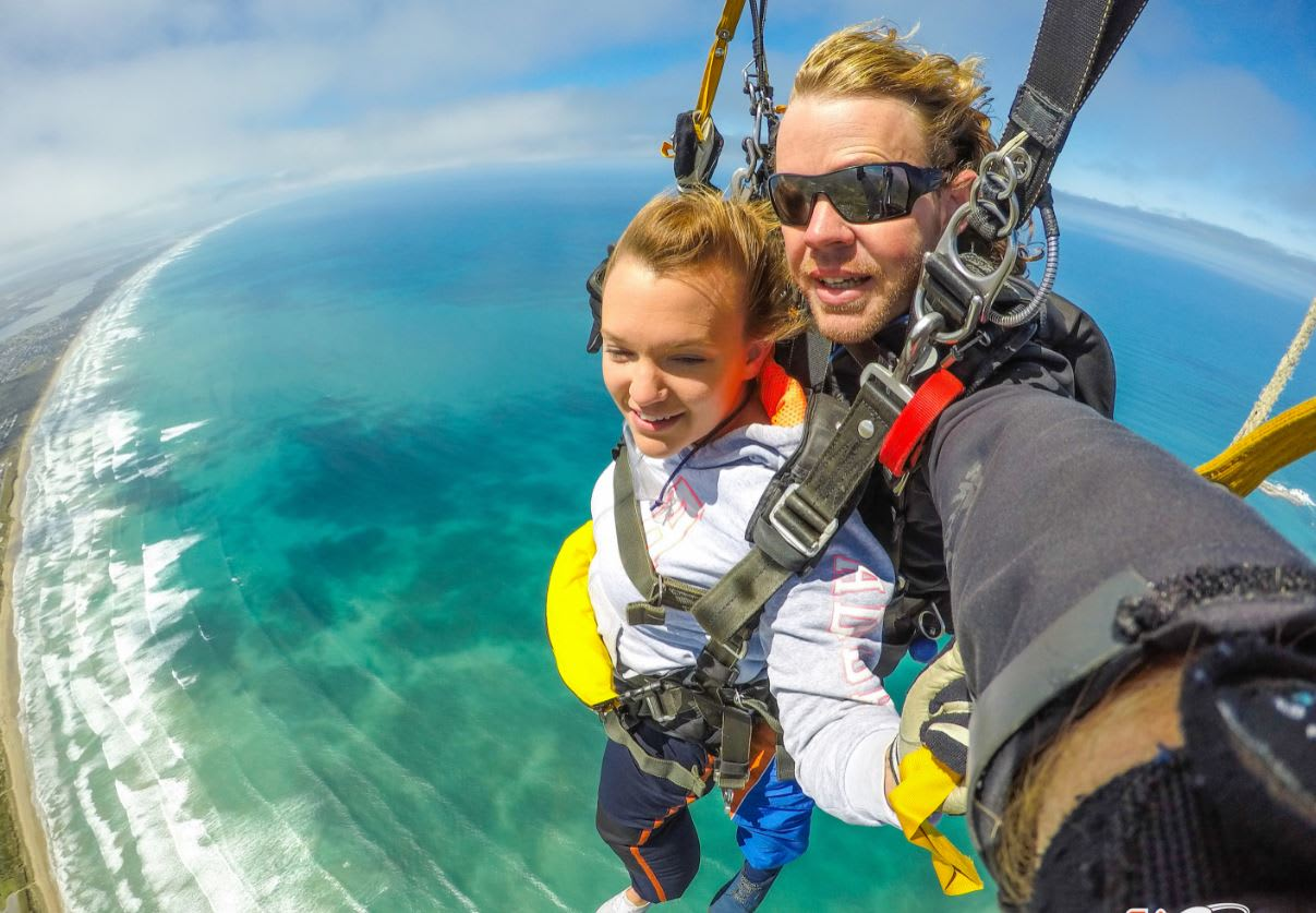 Tandem Skydive, 9,000ft - Lake Alexandrina, South Australia