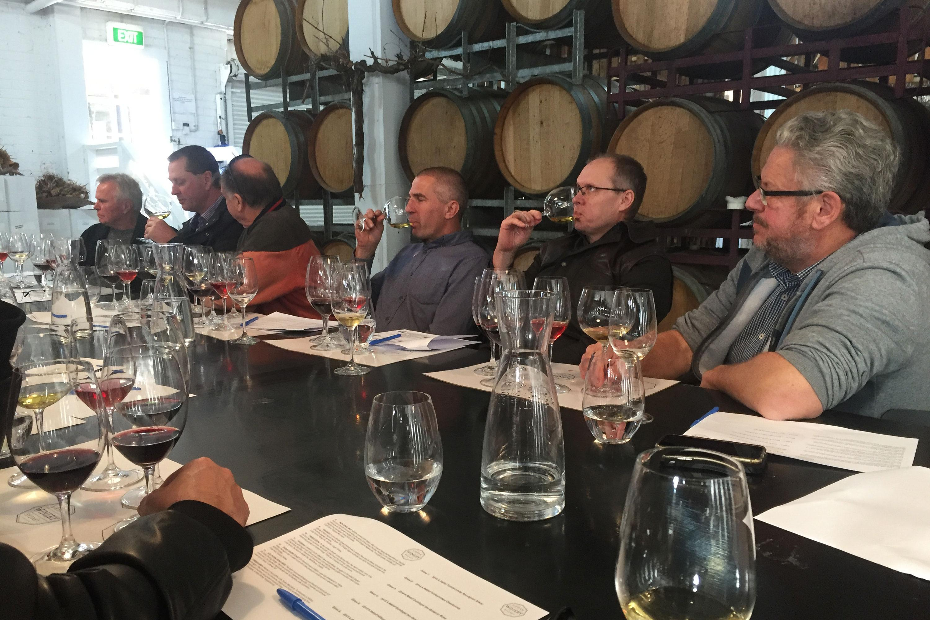 Sydney Winery and Brewery Tour with Tastings and Snacks