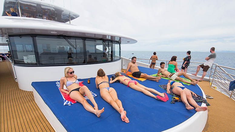 Great Barrier Reef Snorkelling Full Day Cruise - Cairns