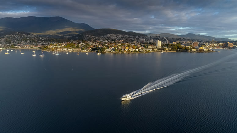 Bruny Island Cruise with Long Lunch – Hobart