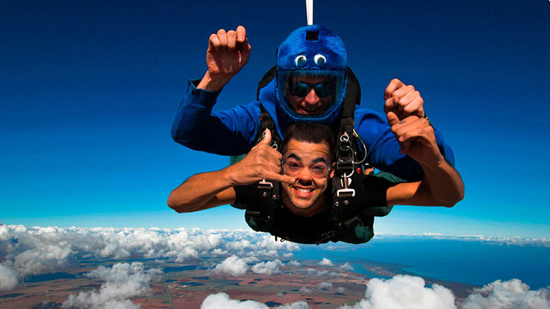 Tandem Skydiving, 15,000ft - Lower Light, Adelaide