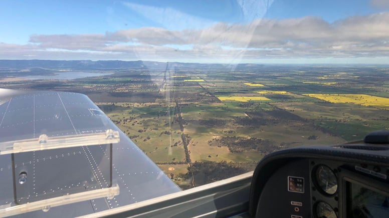 Beginner Flight Lesson, 30 Minutes - Melbourne