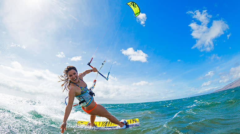 Full Day Private Kiteboarding Lesson with $500 Voucher - St Kilda Beach