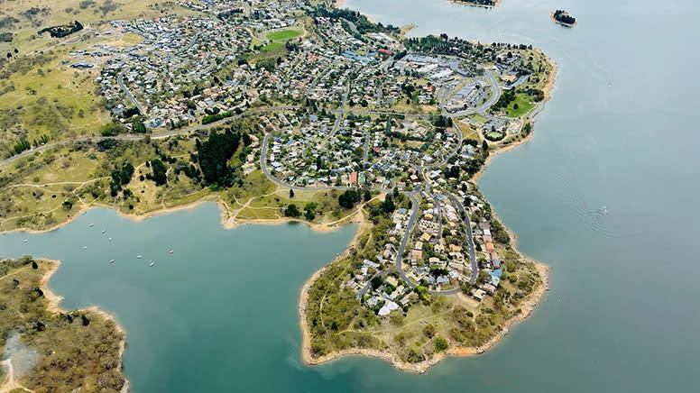 Lake Jindabyne Helicopter Flight, 15 Minutes - For 2
