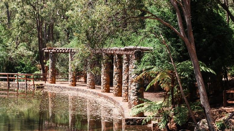 Araluen Botanic Park Hiking Tour, 2 Hours - Perth
