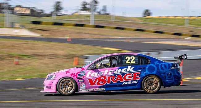 V8 driving experience at Bathurst