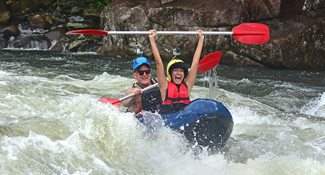 White water rafting, Tully River