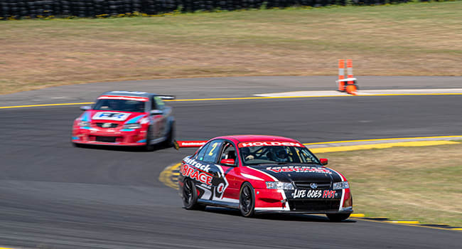 V8 laps at Eastern Creek Raceway
