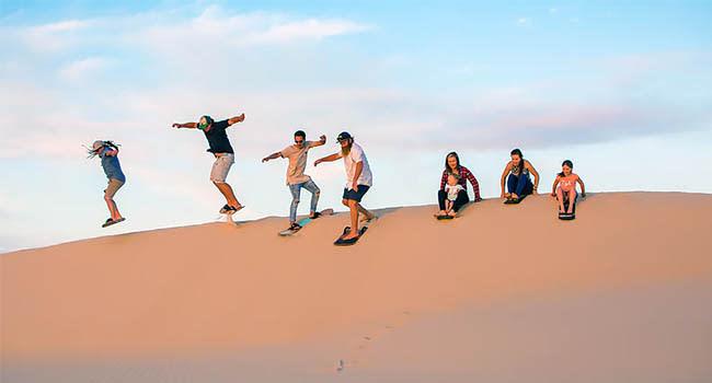 Sandboarding, Port Stephens