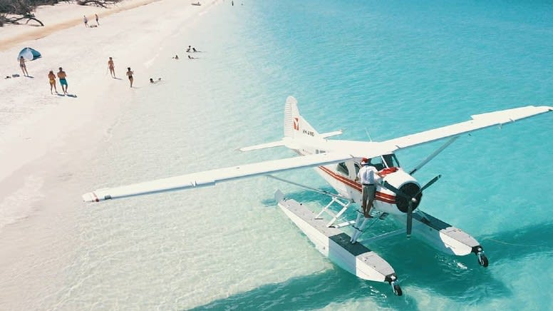 Whitsundays Seaplane Tour with Island Stop - Airlie Beach