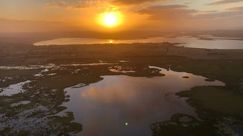 Hot Air Balloon Flight Over Geelong with Breakfast