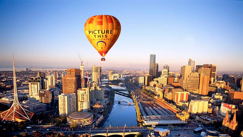 Hot Air Balloon Flight & Breakfast - Melbourne CBD