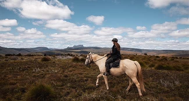 @SaltyTravellers - Cradle Mountain Horseback Ride, Tasmania
