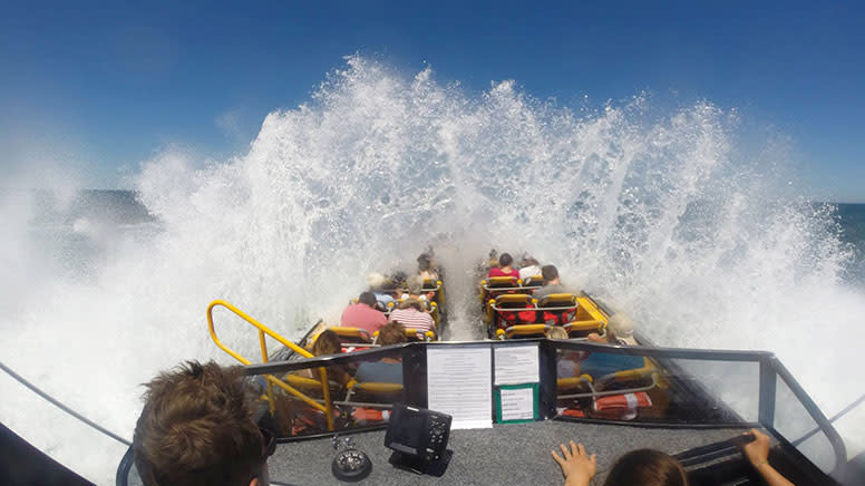 Experience 1: Jet Boat Tour – Perth