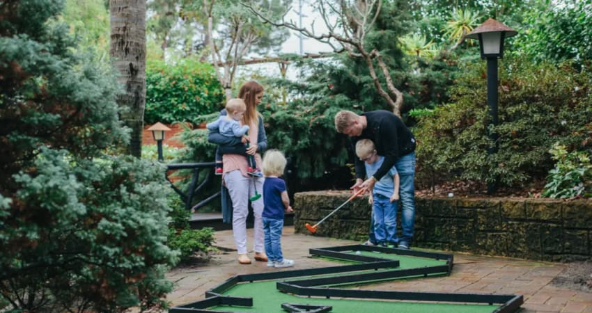 36-Hole Outdoor Mini Golf with Slushy and Novelty Gift - Perth