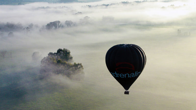 Hot Air Balloon Melbourne, Yarra Valley (includes Full Gourmet Breakfast)