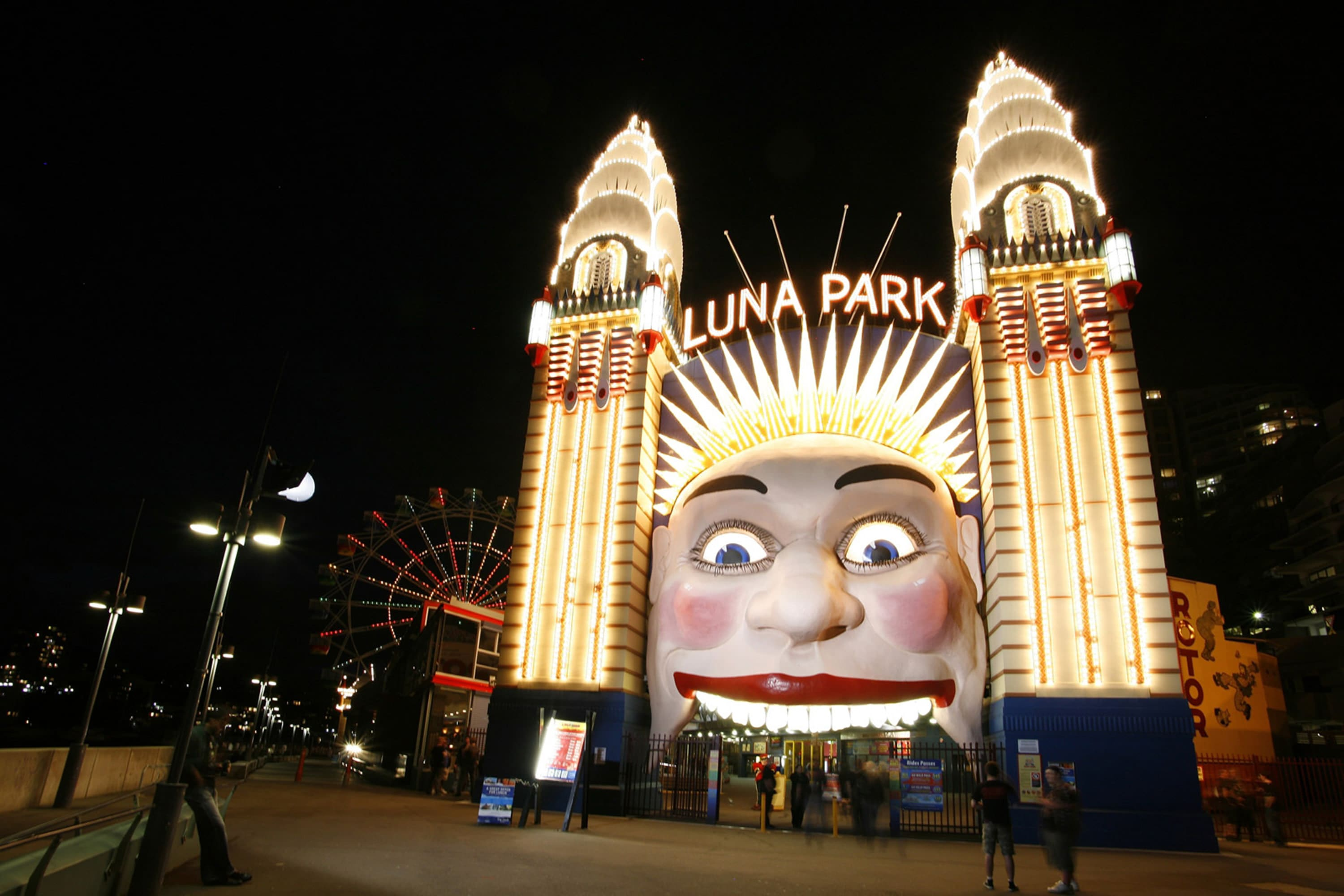 Luna Park Unlimited Rides Pass During Vivid (height 130cm+) - Sydney