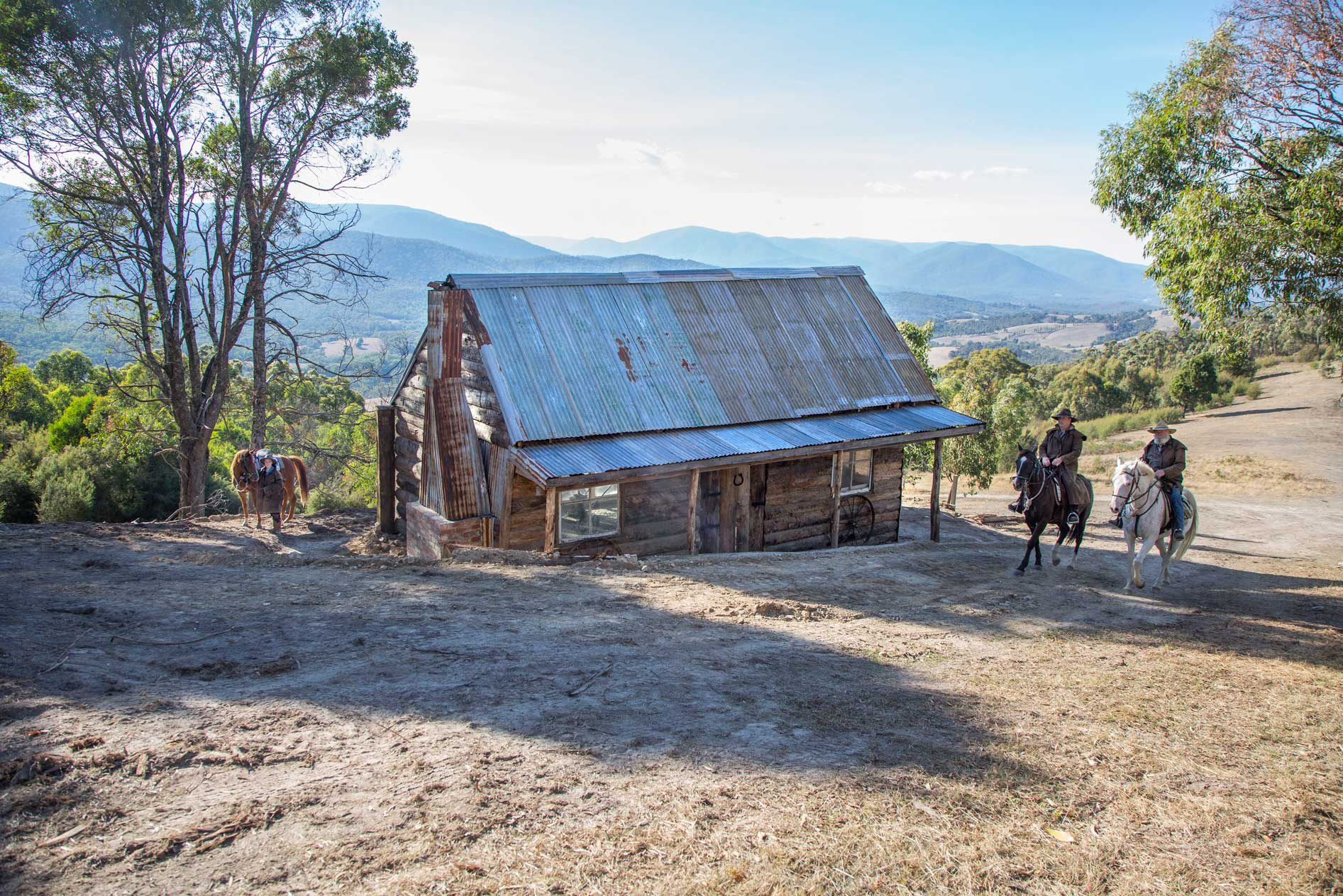 2.5 Hour Yarra Valley Mountain Hut with Wine Tasting Horse Ride