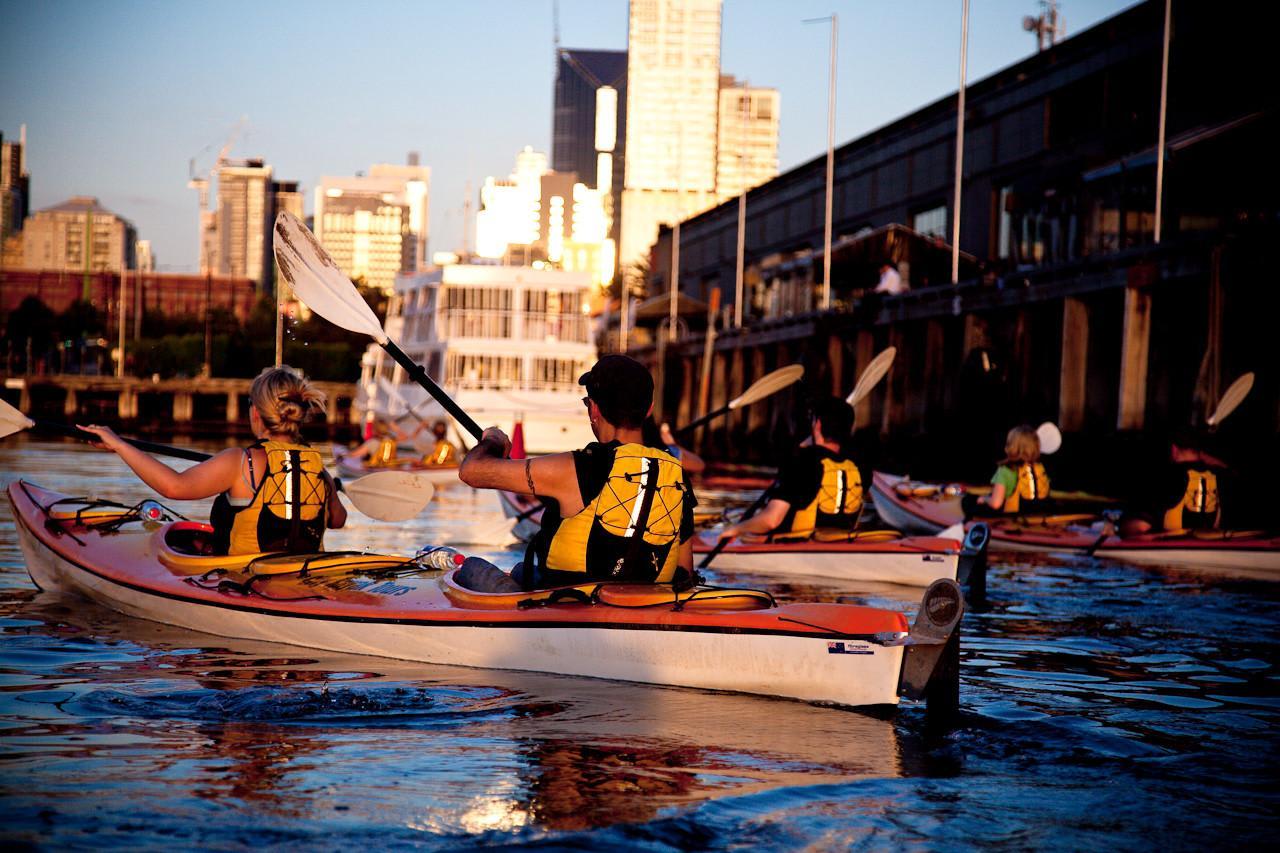 Moonlit Kayak Tour with Dinner, Melbourne