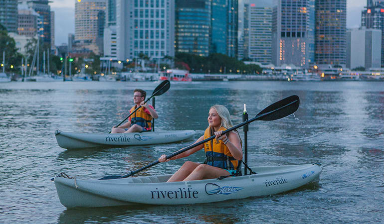 Night Kayak Tour with Prawns and Drinks - Brisbane