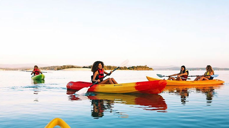Single Kayak Hire, 2 Hours – Lake Macquarie, Central Coast