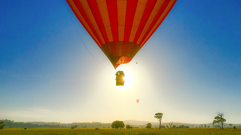 Hot Air Balloon and Jet Boat Adventure Combo – Gold Coast