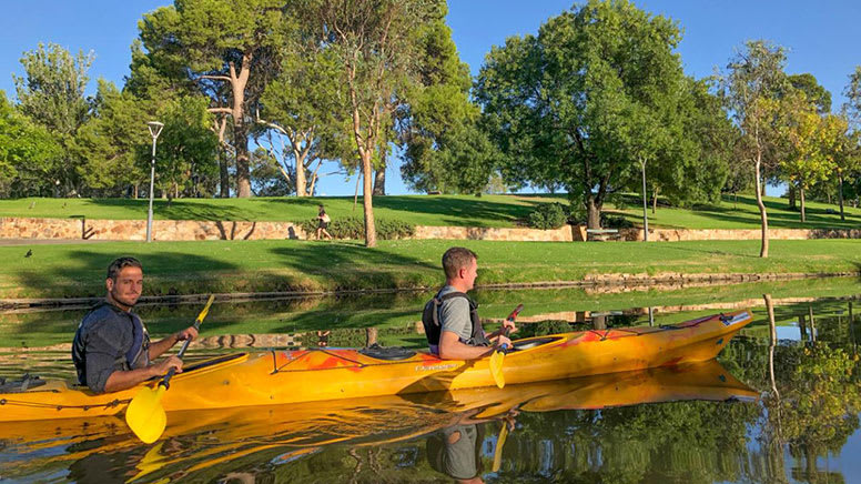 Guided Kayak Tour, 2 Hours – Adelaide City