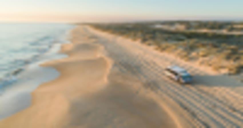 4WD and Sandboarding Adventure, 45 Minutes - Lancelin Dunes, Perth
