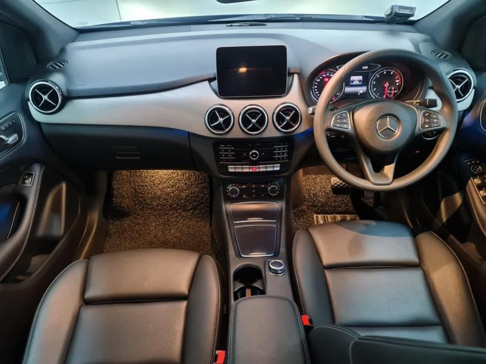 Mercedes Benz B180 STYLE (R16 LED)