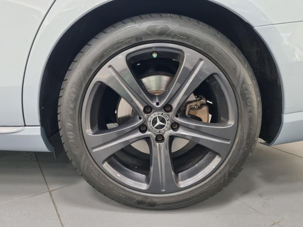 Mercedes Benz E200 Avantgarde