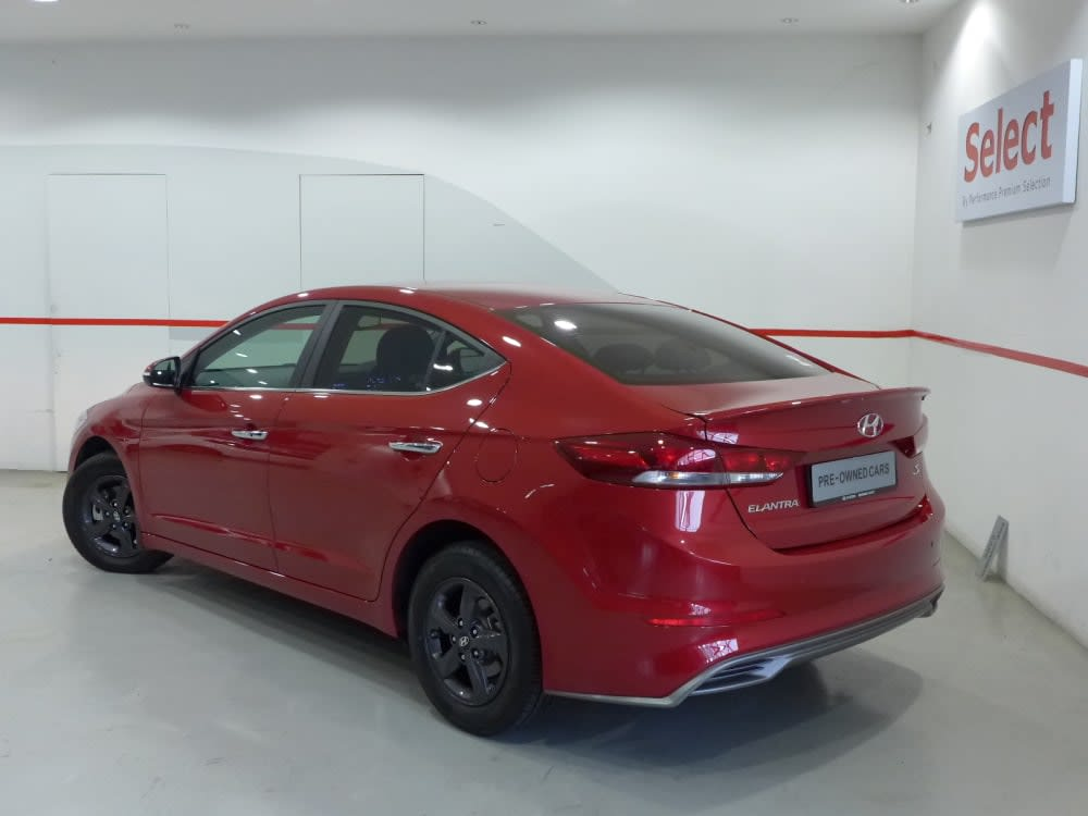 Hyundai ELANTRA AD 1.6