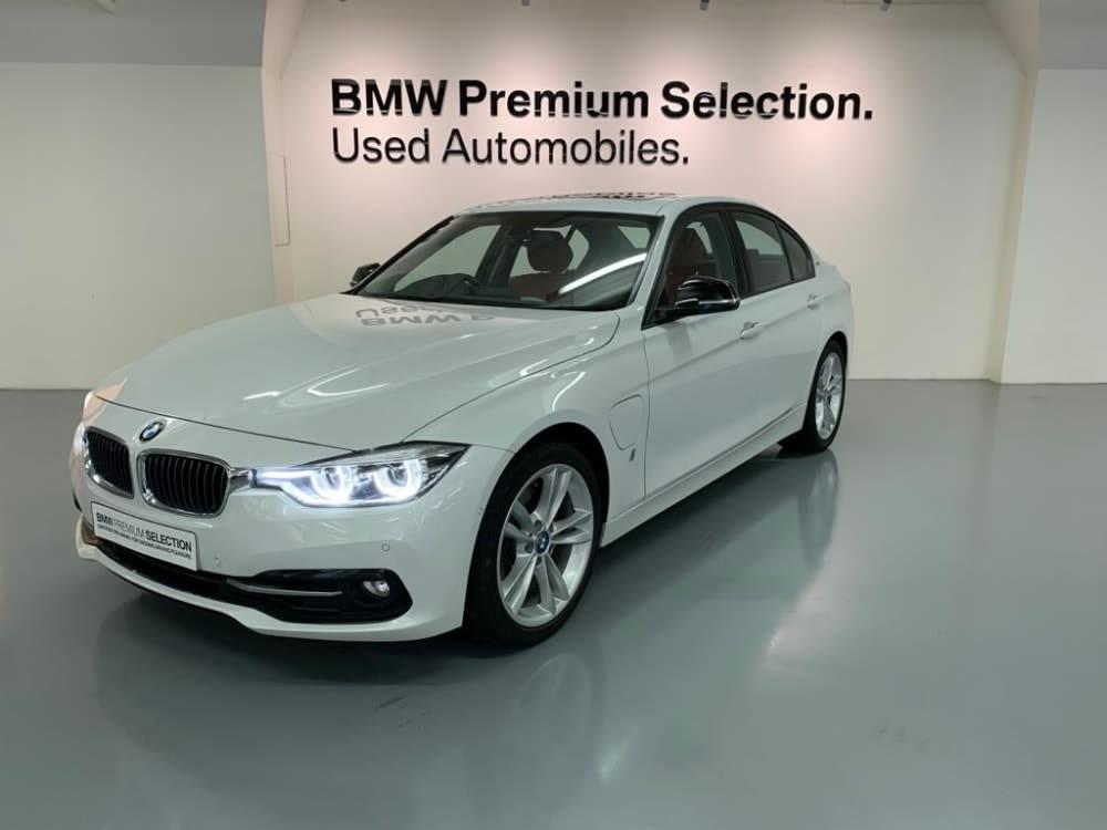 2018 BMW 330e Saloon Plug-in Hybrid