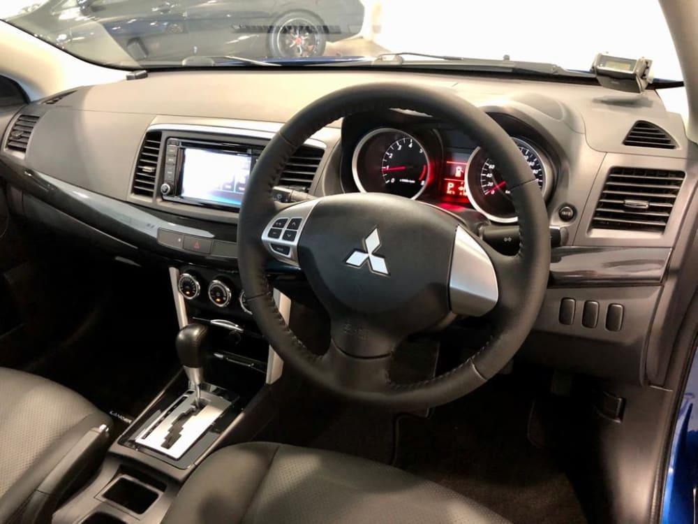 Mitsubishi LANCER EX 1.6 LED
