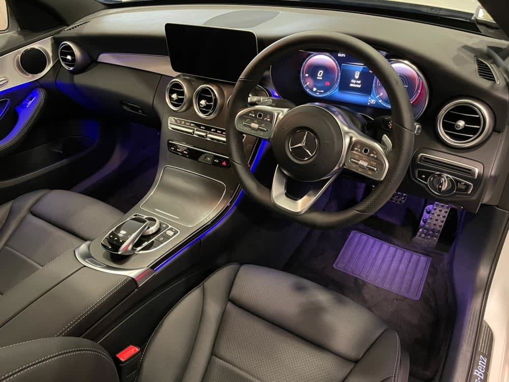 Mercedes Benz C180 SEDAN AMG LINE(R18 LED)