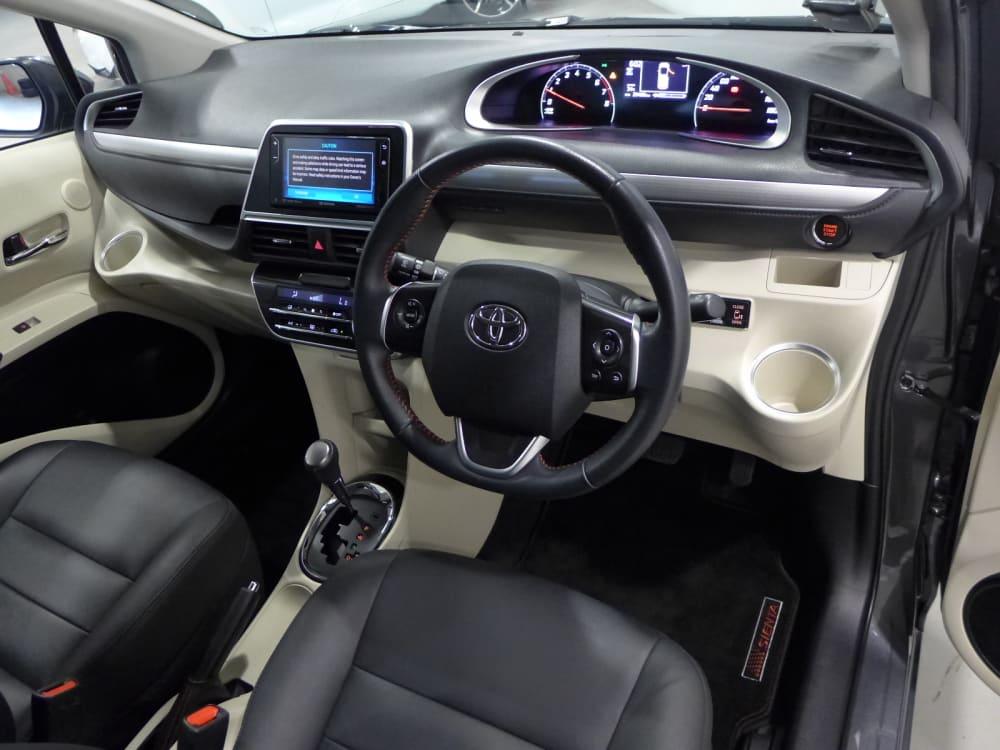 Toyota SIENTA ELEGANCE
