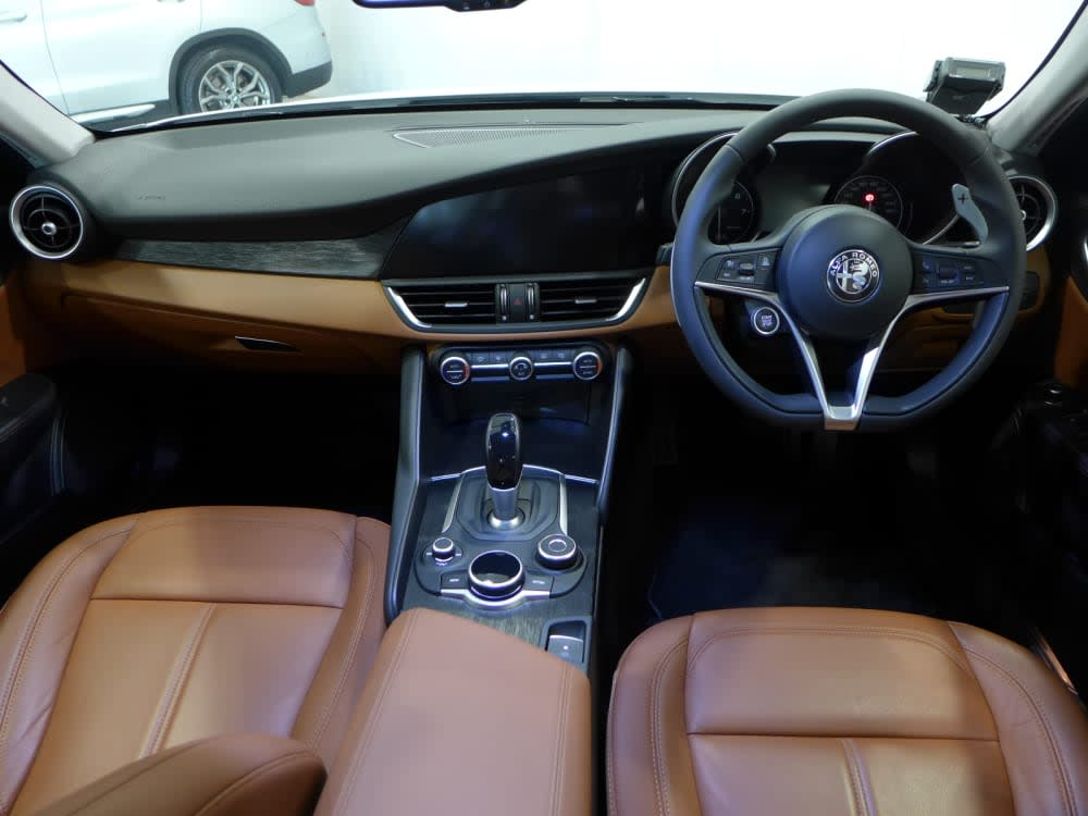 Alfa Romeo GIULIA SUPER 2.0L 200HP