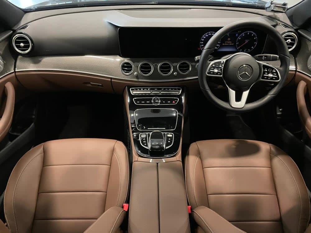 Mercedes Benz E300 AVG (R18 LED)
