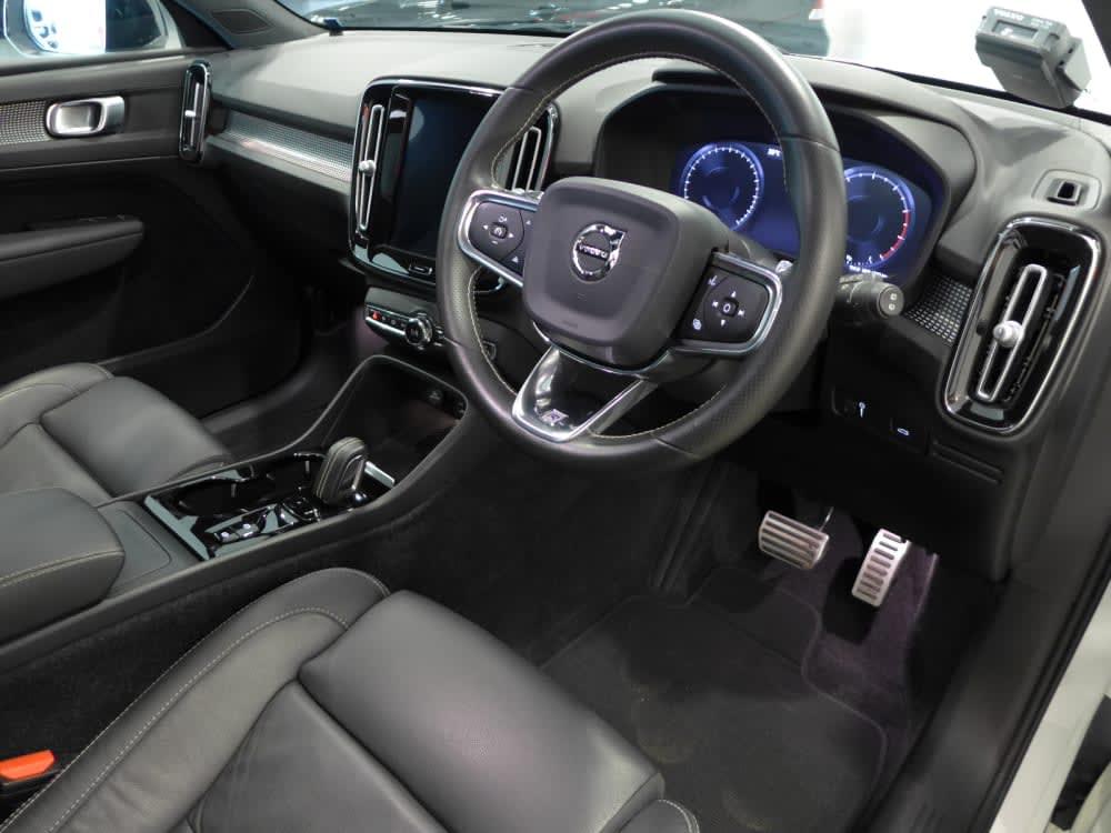 Volvo XC40 T4 R-DESIGN
