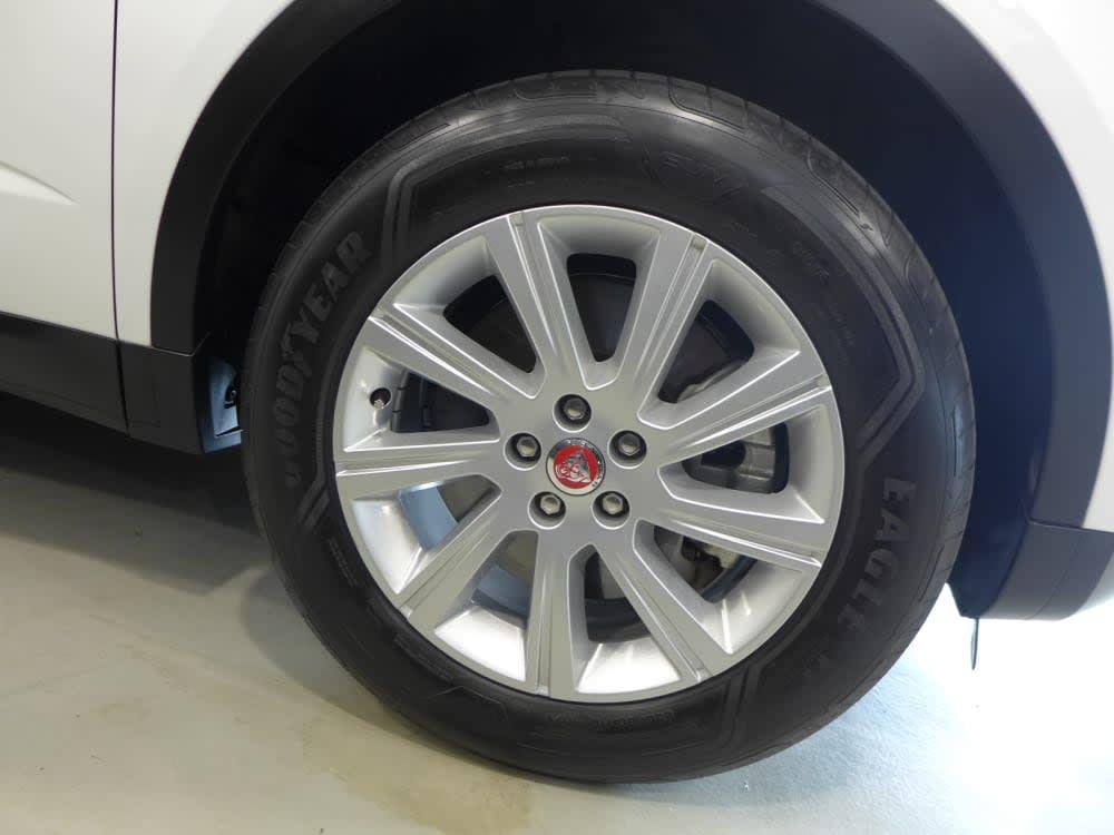 Jaguar E-PACE 2.0P (200PS)