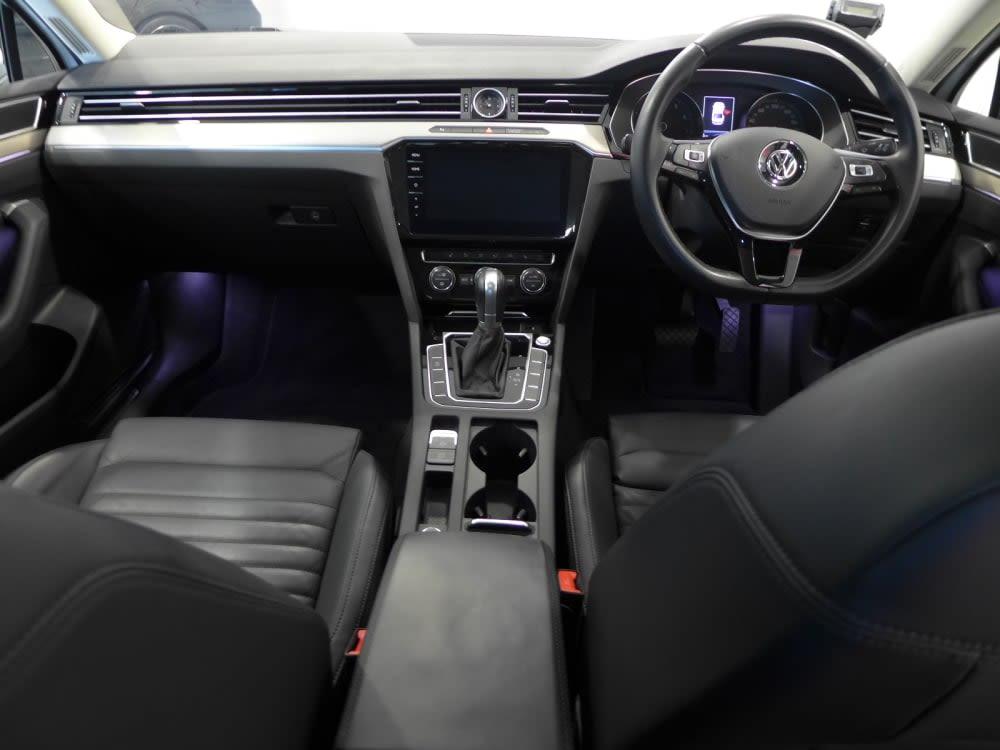 Volkswagen PASSAT B8 1.8 TFSI SR NAV