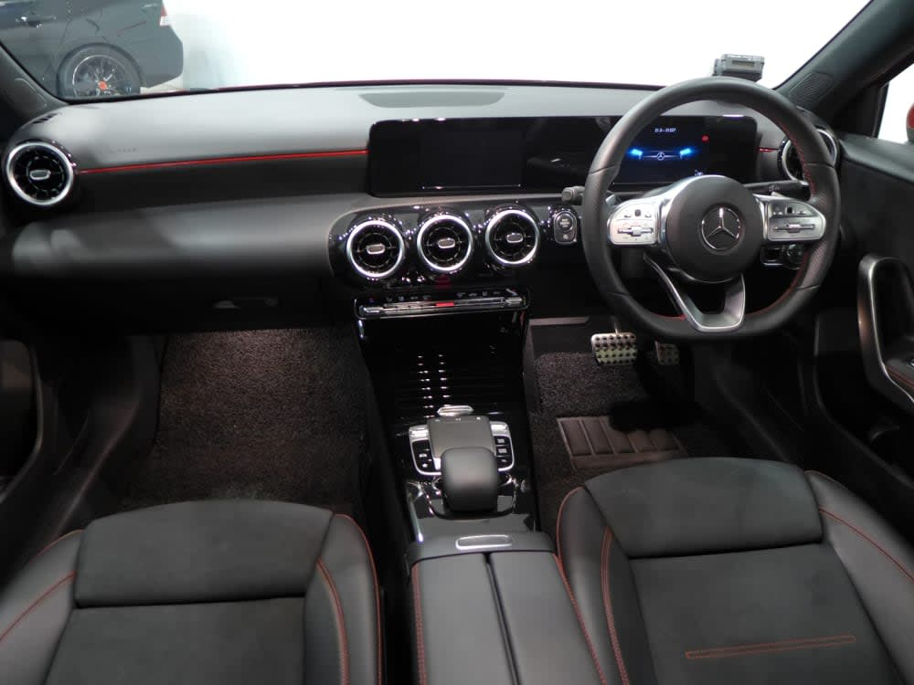 Mercedes Benz A200 AMG LINE AUTO