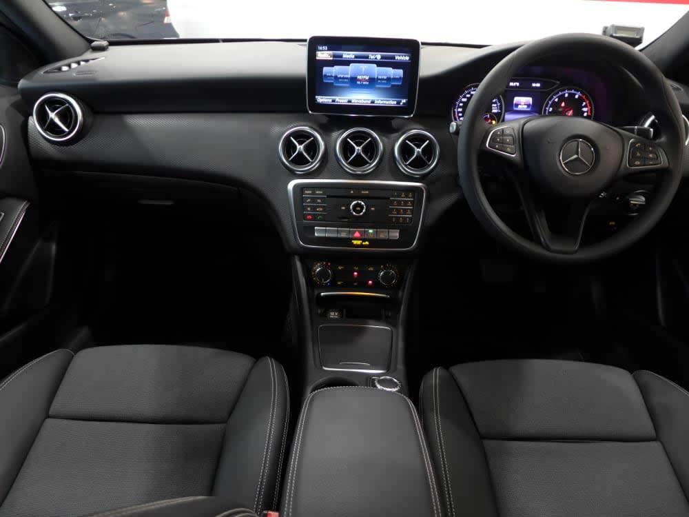 Mercedes Benz A180 FL STYLE (R17 HLG)