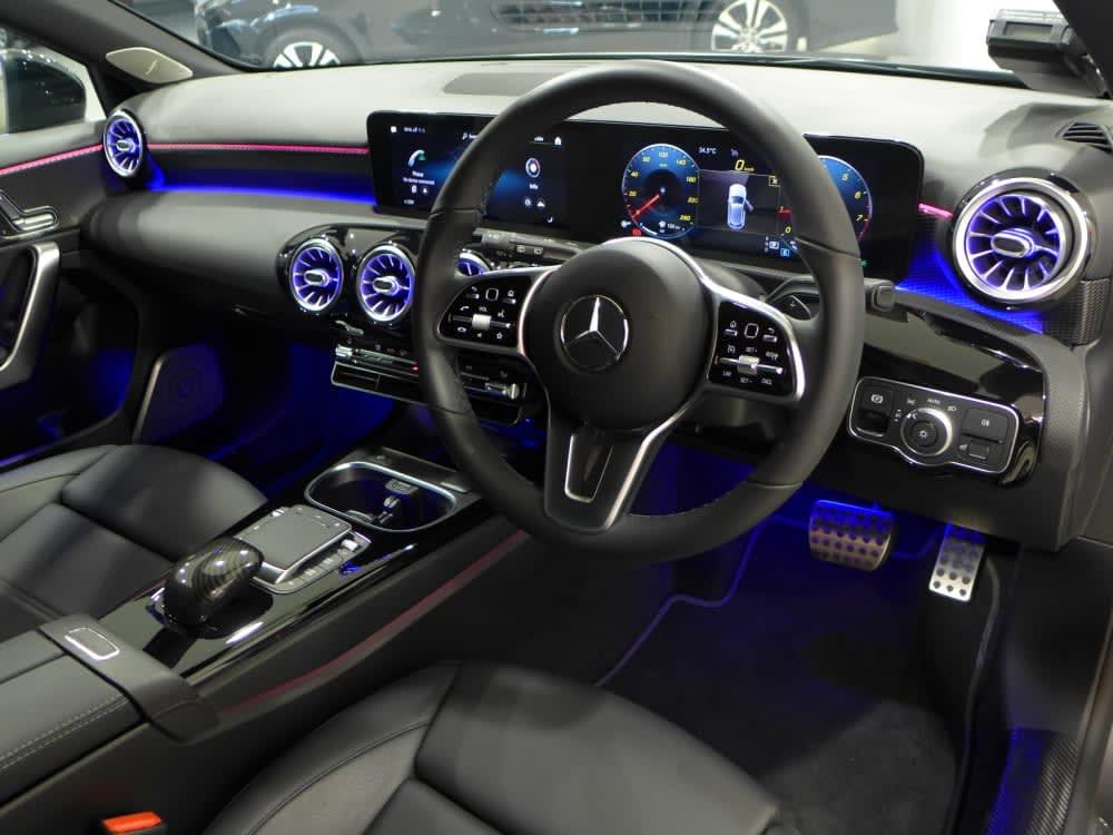 Mercedes Benz A180 COMPACT SALOON PROGRESSIVE