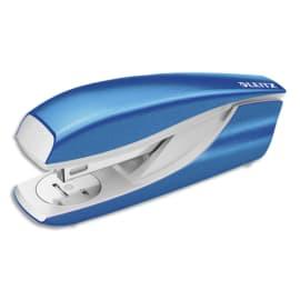LEITZ Agrafeuse métal Bleu azur métalisé capacité 30 feuilles pour agrafes 24/6-26/6. Livrée en Boîte photo du produit