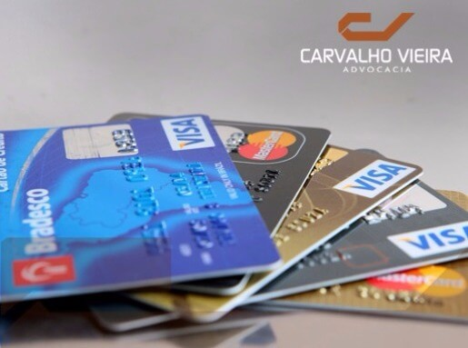 Preço diferente para compra com cartão é abusivo