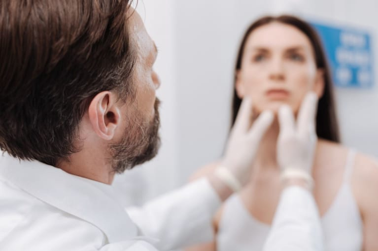 15 Questions To Ask Your Doctor During A Plastic Surgery Consultation