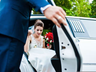 Rent a limo for your wedding
