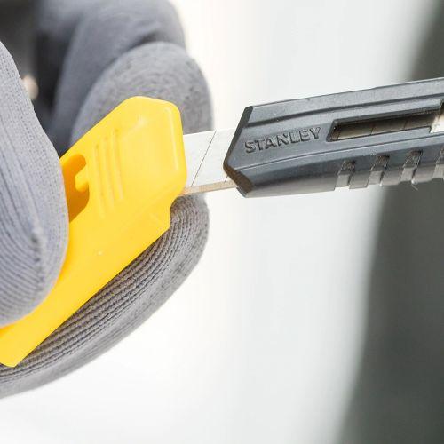 Cutter à lame sécable 18 mm - STANLEY - 0-10-151 pas cher Secondaire 8 L
